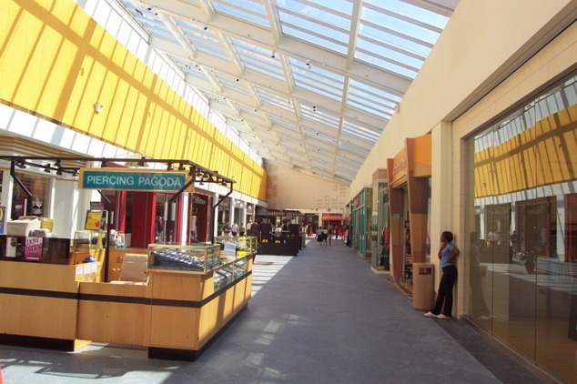 Bergen county shopping bergen county realestate com for Garden state plaza mall paramus nj