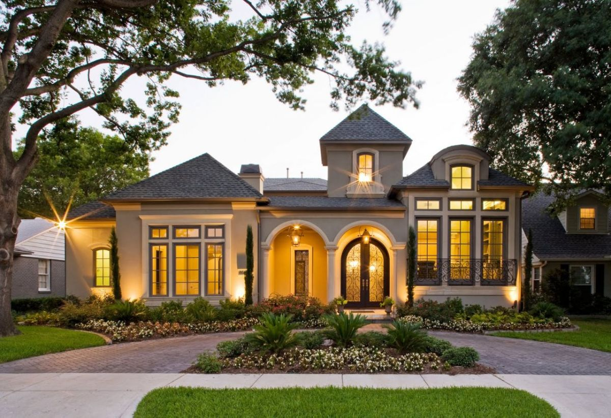 Colonial House Exterior Curb Appeal Landscaping