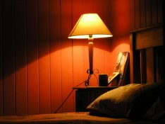 bedside-table-bedroom-light-1543470.jpg