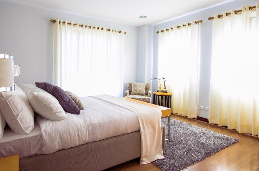 decorating a bedroom